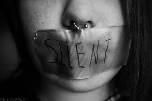 Narcisismo e Dipendenza Affettiva: origine dell'odio verso i propri genitori.